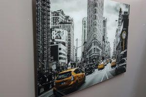 acrylic-lite-city-contrast