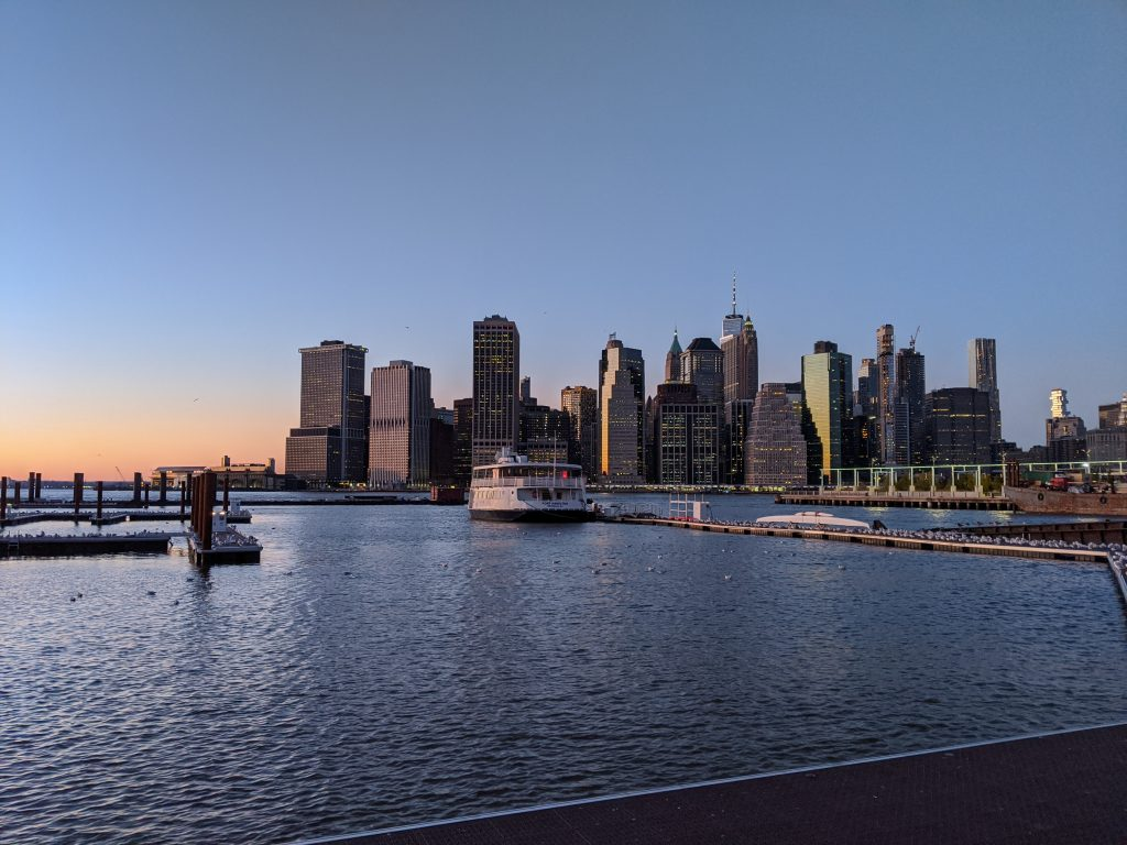 new york city at sunset to emphasize beauty of golden hour photos