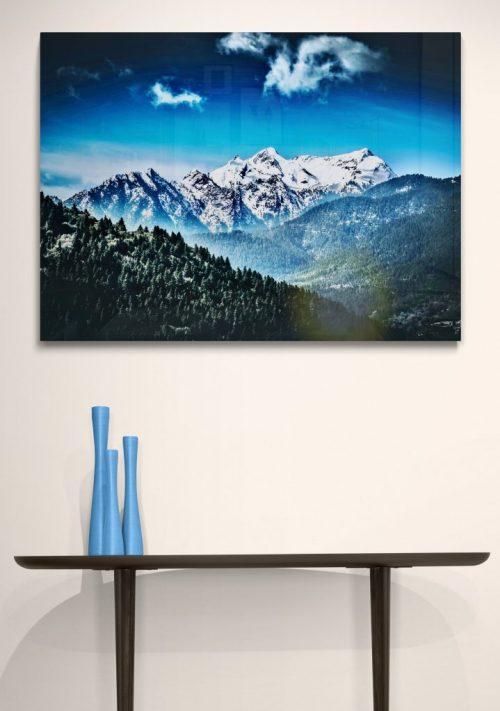 Stylish_ceramic_vases_on_side_table