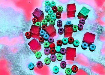 600_bigacrylic_douhnuts_and_and_squares
